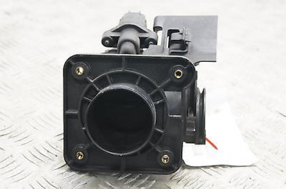 chrysler neon 2.0 throttle body   for sale   contact 0764278509  whatsapp 0764278509