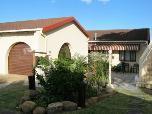 Neat 3 Bedroom,2 Bathroom Apartment with Lovely River Views for sale in Banners Rest,Port Edward