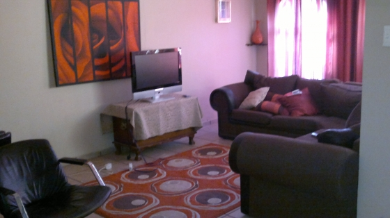 Triomf Johannesburg house for 4 sale with 2 full one bedroom flats