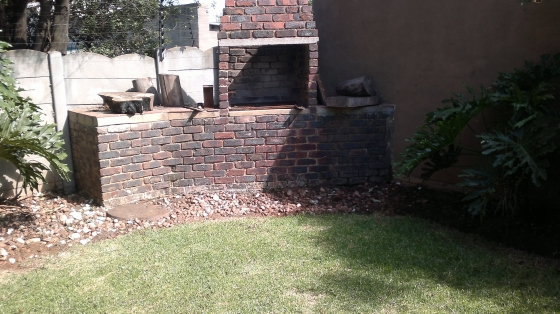 Triomf Johannesburg  house 4 sale with 2 full one bedroom flats