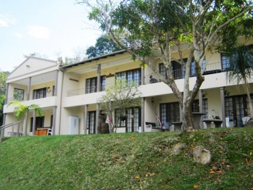 2 Bedroom,1 Bathroom Upstairs Apartment for sale in Banners Rest, Port Edward