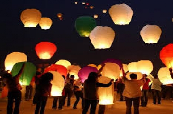 SKY LANTERNS (Delivery Offered)