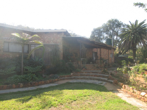Secluded country retreat 18km West of Northern Pretoria