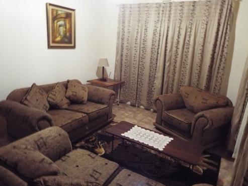 Gemeubileerde woonhuise op die plaas.  Akkommodasie by Potgietersrus Makopane Limpop kykop  lekkerbly.weebly.com
