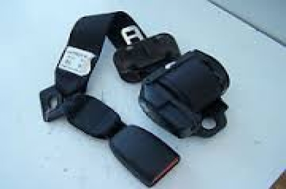 Chrysler neon seat belts for sale   contact 0764278509   whatsapp 0764278509