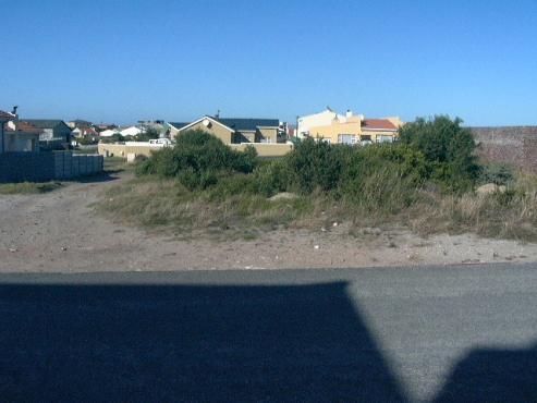 Pragtige strand erf te koop in Perlemoenbaai.