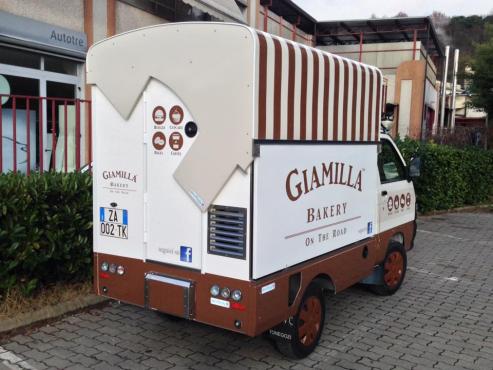 mobile dog grooming tuk tuk vehiclle junk mail. Black Bedroom Furniture Sets. Home Design Ideas