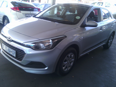 2015 Hyundai i20 New Shape 5Doors, Factory A/C, C/D Player, Central Locking, Silver in Color, 14000K
