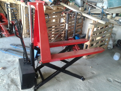 Semi- Electrical hi-lift Pallet Jacks Excellent condition R7980 each with warranty 0722968881