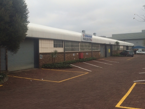 ATTENTION INVESTORS!!! FACTORIES / WAREHOUSES FOR SALE IN A SECURE INDUSTRIAL PARK IN GATEWAY INDUST