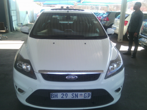 Ford Focus St Leather Interior With Sunroof 2 5 Engine Capacity