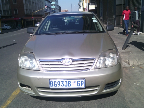 Toyota Corolla GLE 140i 5 Doors, 2008 Model, Factory A/C, C/D Player, Central Locking, Gold in Color