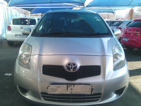 Toyota Yaris T3 Hatchback 5Doors, 2008 Model, Factory A/C, C/D Player, Central Locking, Silver in Co