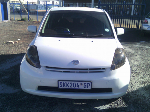 Daihatsu Siroen 1.3 Comfortline 5 Doors, Factory A/C, C/D Player, Central Locking, White in Color.