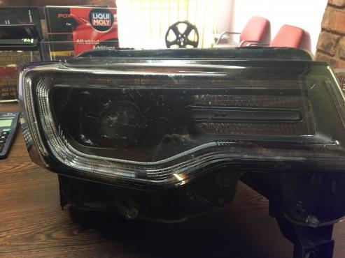 Jeep Grand Cherokee SRT8 RHS Headlight