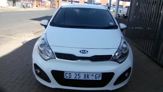 2013 Kia Rio 1.4 Tech 5Doors, Factory A/C, C/D Player, Central Locking, White in Color, 48000Km.
