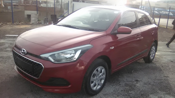 2015 Hyundai i20 5Doors, Factory A/C, C/D Player, Central Locking, Maroon in Color, 46000Km.