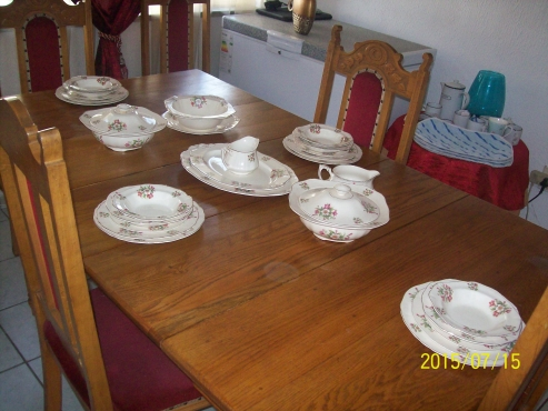 Antique Dining Room with 8 chairs for sale