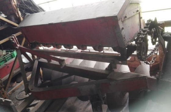 One way disc mounted sead box planter