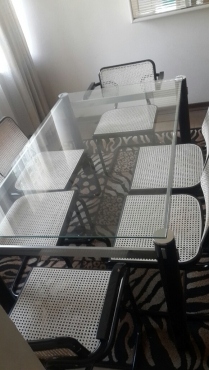 R 1 900 For Sale Dining Room