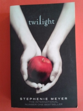 Twilight - Stephenie Meyer - Twilight #1.