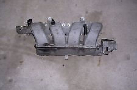 Chrysler neon inlet and exhaust manifold    for sale     contact 0764278509   whatsapp 0764278509