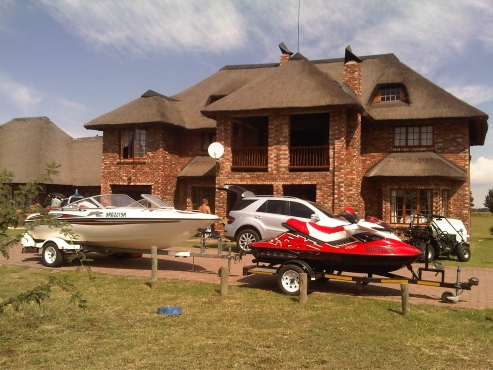 House at Orkney Vaal estate for the boating enthusiasts