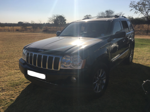 Jeep Grand Cherokee WK 5.7 Overland Stripping for Spares