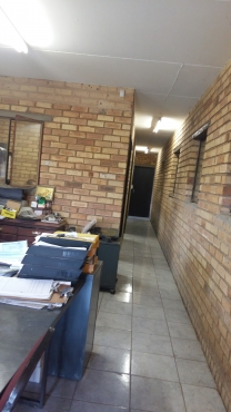 Warehouse Face-bric   & 4 bed    Large Home for Sale Benoni and Warehouse  for sale Plot