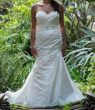 Enzoani - Ivory Wedding Dress