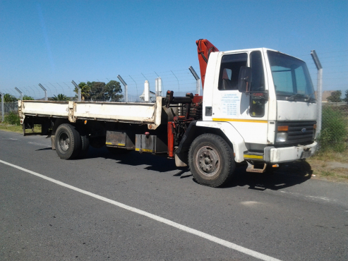 Ford Cargo 8 Tonne Truck with 2 tonne Crane