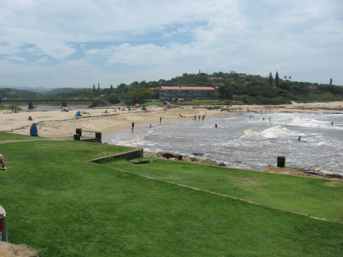 FUN FILLED SELF-CATER HOLIDAY UVONGO, ST MIKES 4 SLEEPER FLATS FROM R125 PPPN SHELLY BEACH