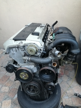 mercedes 3 2L m104 engine out of a ssangyong musso and front