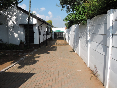 NO TRANSFER DUTY!! Private Sale, R850 000.00 Price reduced from R1200 000.00 - Phone 082 855 3191 - Neatly renovated 3x Bedroom House Dinwiddie.