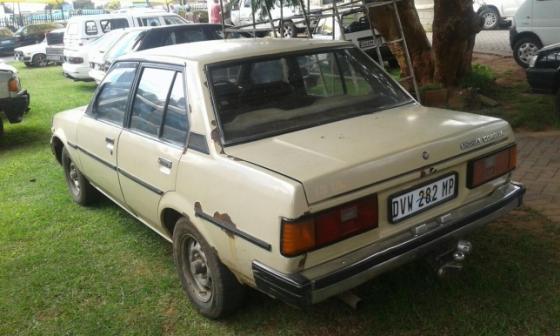 Toyota Corolla Old School