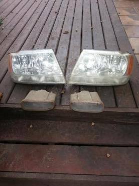 Jeep Cherokee head lights & fog lights