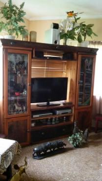 Slaaper hout tv kas (4 stuk pasbaar)