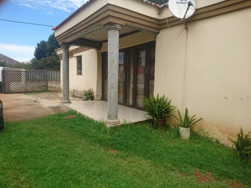 Large 3 Bedroom family home + 14 rooms, for a family or investment property, Urgent and Highly neg