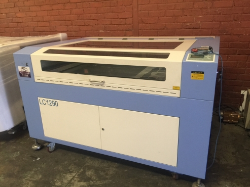 Laser Machine 1300*900mm with adjustable table with 100w laser tube