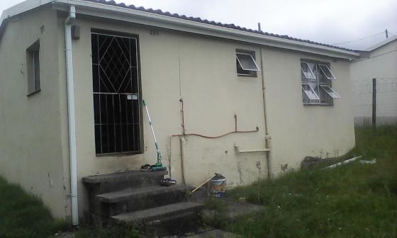 2 bedrooms hoise for sale: Kwandengezi