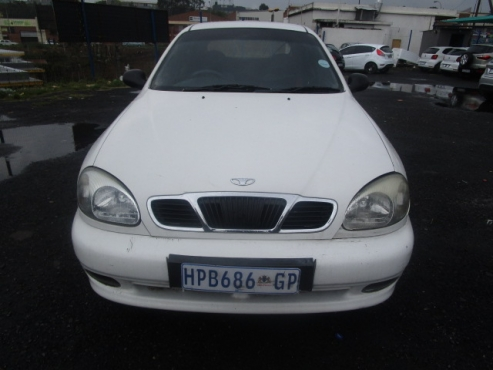Lanos Daewoo, 1999 model, 116000km, 4-door, factory a/c, c/d player, central locking, white in color