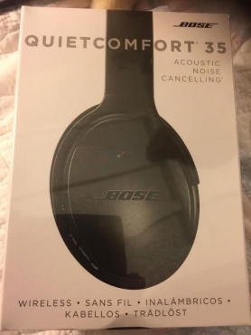 Brand New SEALED Bose QuietComfort 35 Black