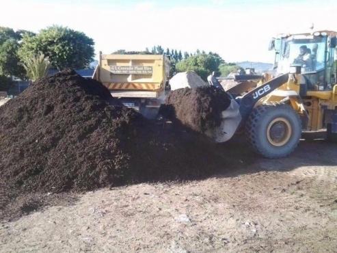 Farm fresh Instant lawns, lawndressing, topsoil & Compost
