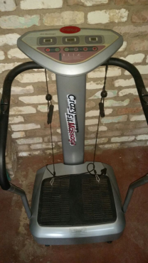 Are you a body builder? Want to gym at home? I am selling all my epuipment.