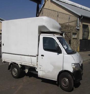Daihatsu Grand Max s