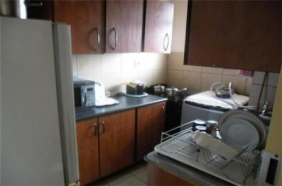 Randburg bachelor flat to rent