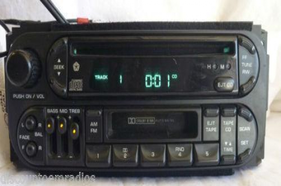 Chrysler neon original Radio for sale Contact 0764278509 or 012 753 0656 WhatsApp 076 427 8509