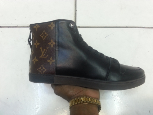 Louis Vuitton Executive Sneakers
