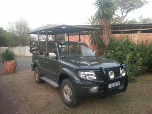 Safari vehicles 4 Africa
