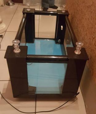 Coffee table / fish tank combo